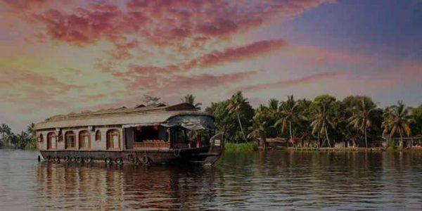 Explore Enigmatic Beauty of Kerala